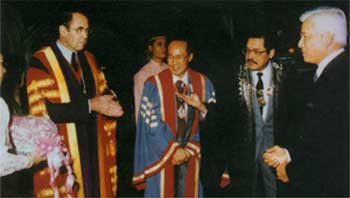 The Patron, DYMM Seri Paduka Baginda Yang Di-Pertuan Agong Sultan Azlan Shah being introduced by the Master, Dr. Lim Say Wan to the President of the Congress, Mr. N.C. Tan (second from left) and Sir Terence English (extreme left), President of the Royal College of Surgeons of England before the opening ceremony of the 23rd Malaysia-Singapore Congress of Medicine, 5th October 1989