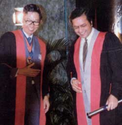 1983 - YAB Datuk Seri Dr. Mahathir Mohamad (right) (present Prime Minister of Malaysia) after receiving the Honorary A.M. from the Master, Mr. Ng Chuan Wai